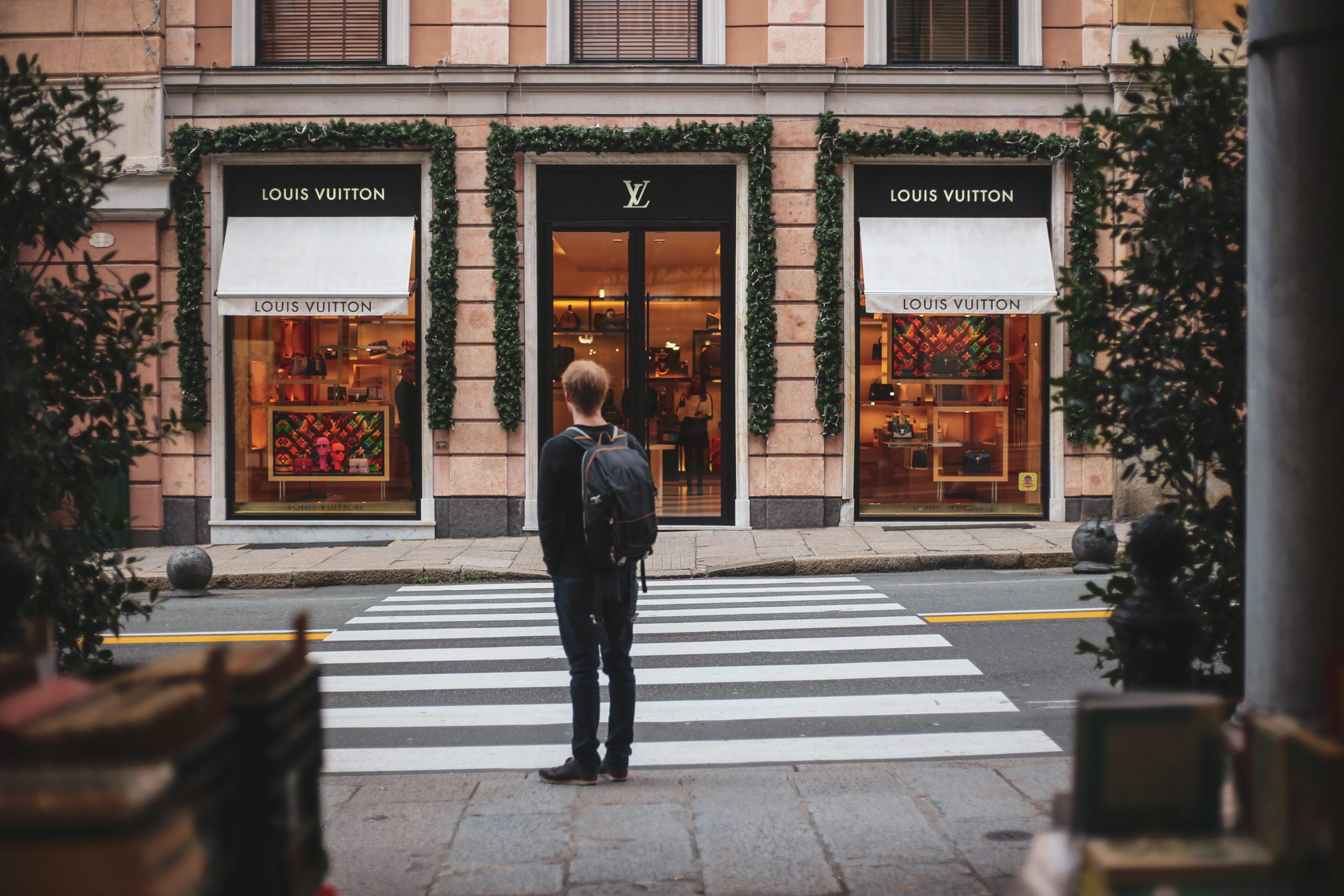 luxury lifestyle without big budget