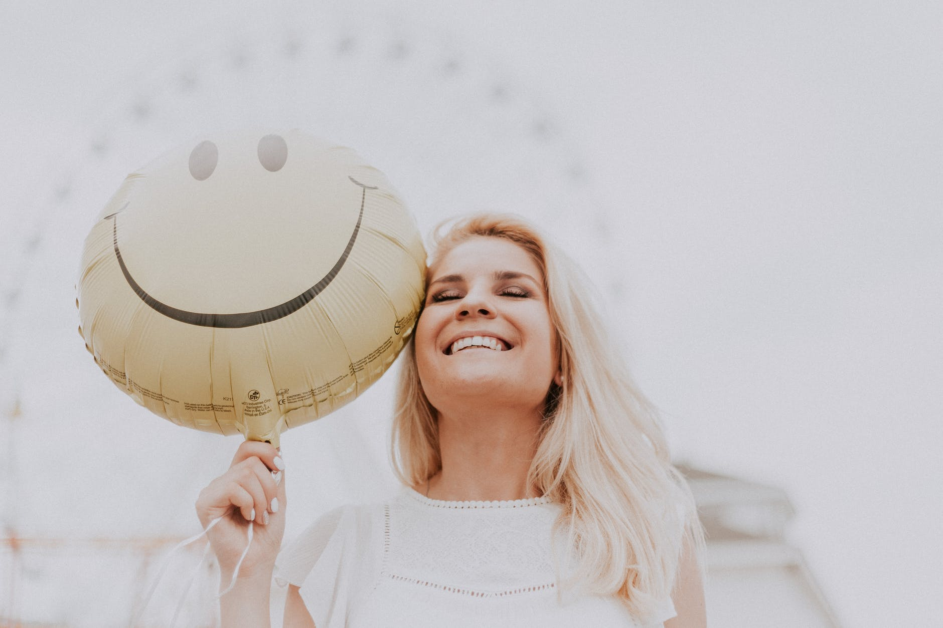 TRAIN YOUR BRAIN TO HAVE A MORE POSITIVE ATTITUDE